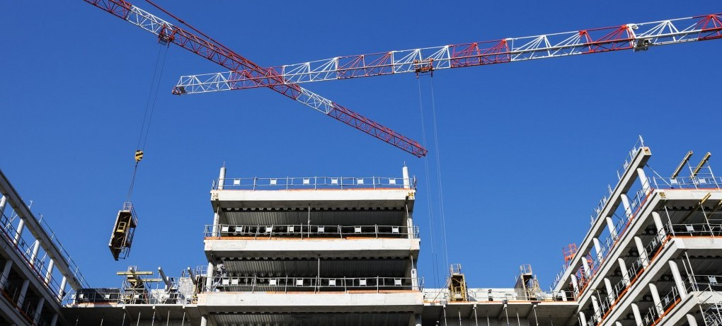 construction insurance crane image